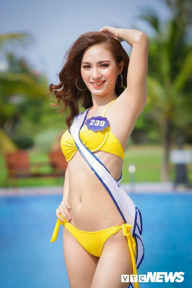 Dan thi sinh Hoa hau Bien VN 'dot mat' nguoi xem trong trang phuc bikini hinh anh 12
