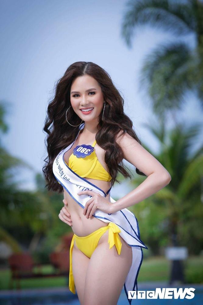Dan thi sinh Hoa hau Bien VN 'dot mat' nguoi xem trong trang phuc bikini hinh anh 15