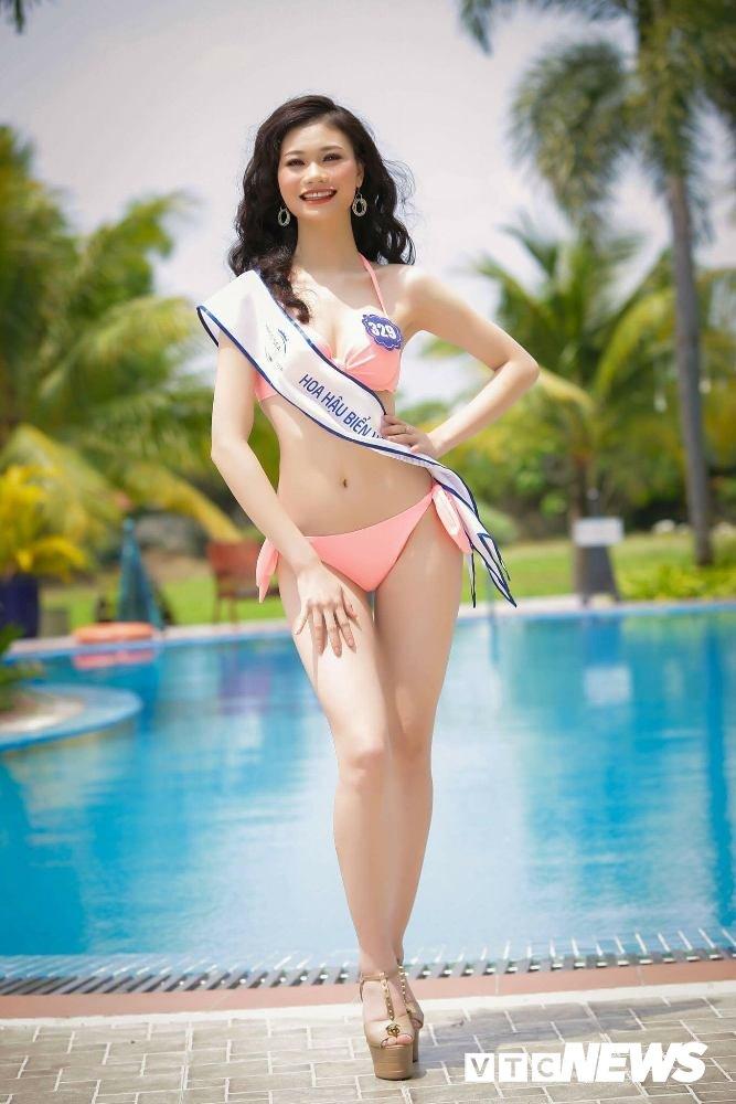 Dan thi sinh Hoa hau Bien VN 'dot mat' nguoi xem trong trang phuc bikini hinh anh 6