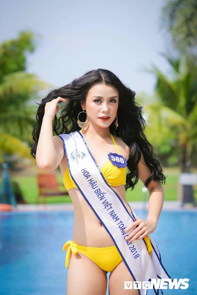 Dan thi sinh Hoa hau Bien VN 'dot mat' nguoi xem trong trang phuc bikini hinh anh 3