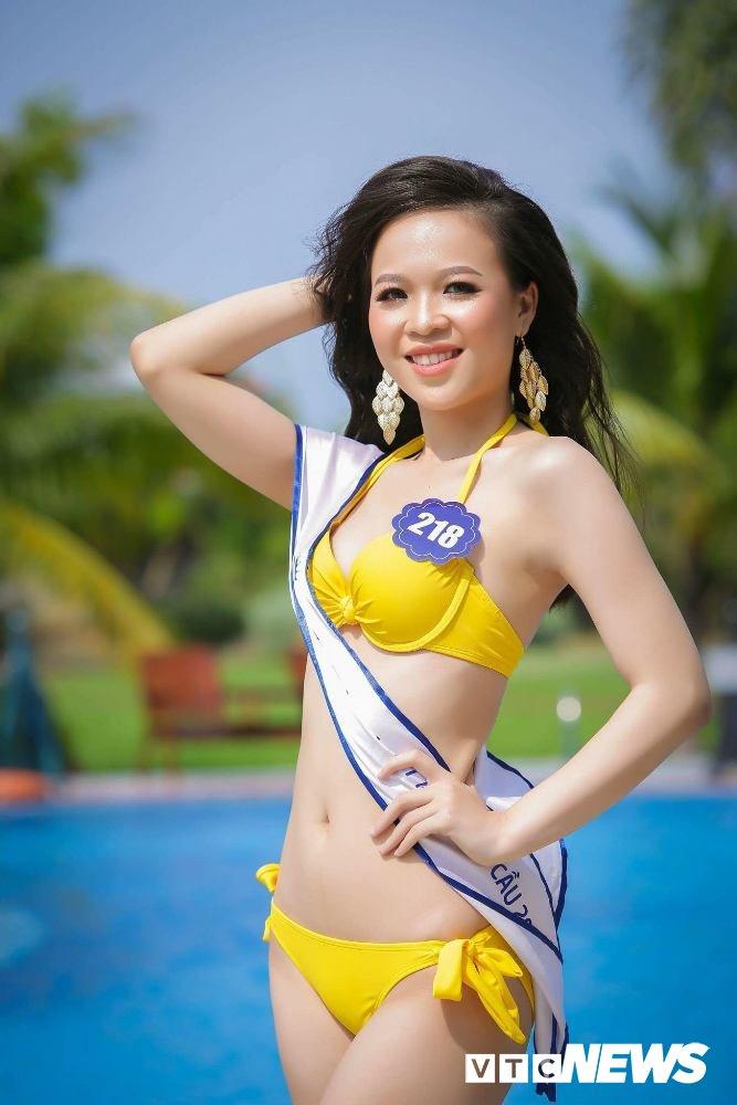 Dan thi sinh Hoa hau Bien VN 'dot mat' nguoi xem trong trang phuc bikini hinh anh 11