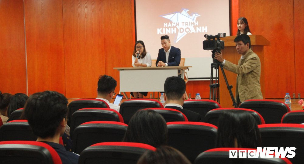 Tham gia 'Hanh trinh kinh doanh 2018', sinh vien gianh hon 500 trieu dong hinh anh 1