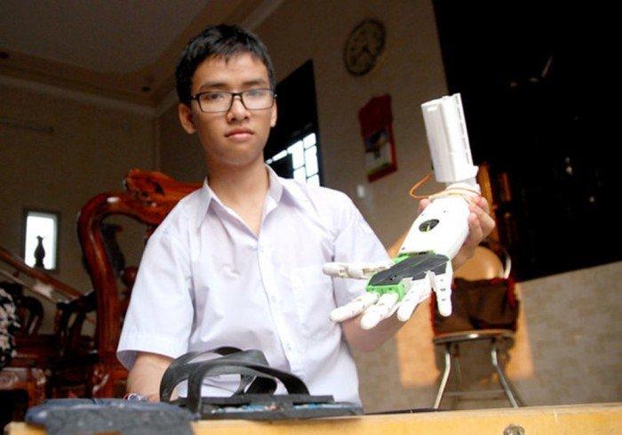 Chuyen chua biet ve nam sinh Quang Tri che tao 'canh tay robot' gianh giai Ba o My hinh anh 1