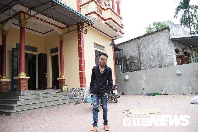 Anh: 'Nguoi ca' Ngo Van Tho dung cam livestream tren facebook de khong bi 'hoa tan' hinh anh 1