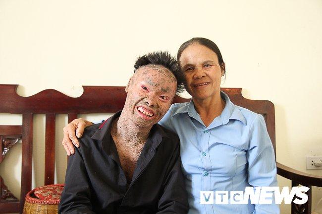 Anh: 'Nguoi ca' Ngo Van Tho dung cam livestream tren facebook de khong bi 'hoa tan' hinh anh 16