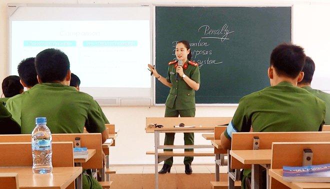 Hoc vien Canh sat giang day cac mon nghiep vu chuyen nganh bang tieng Anh hinh anh 1