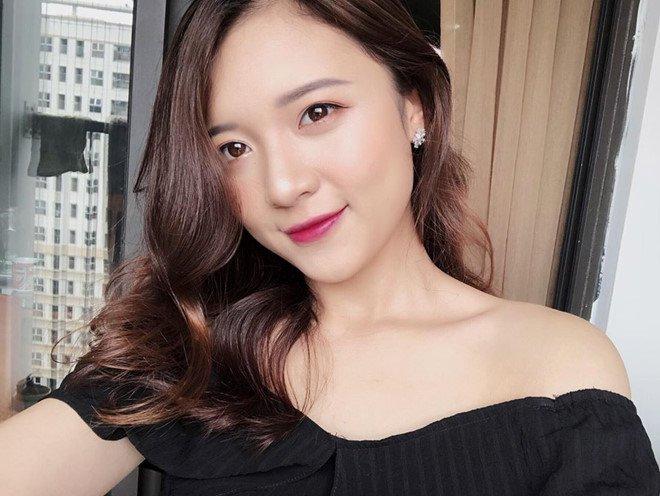 'Hot girl bao chi' dan nhieu chuong trinh cua VTV dang lam chao dao cong dong mang hinh anh 5