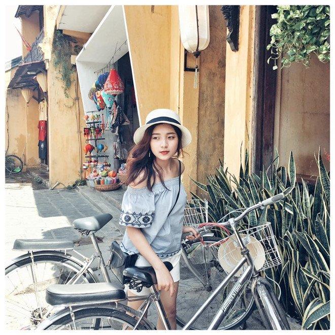 'Hot girl bao chi' dan nhieu chuong trinh cua VTV dang lam chao dao cong dong mang hinh anh 9