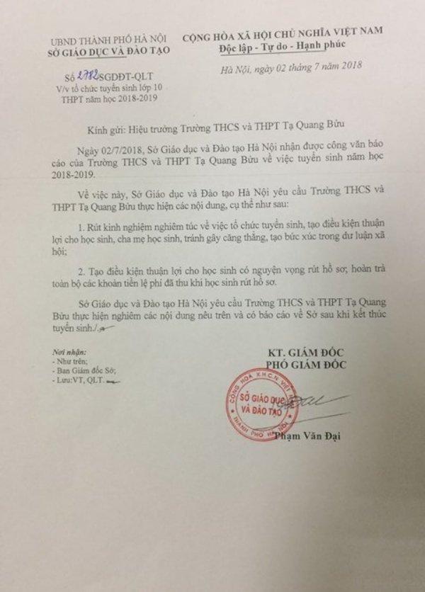 Lum xum diem chuan vao THPT Ta Quang Buu: Truong tra lai tien ghi danh 2 trieu dong moi hoc sinh hinh anh 1