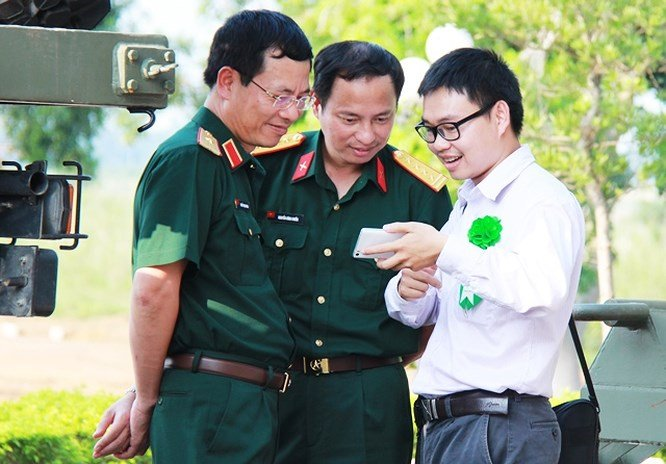Chum anh an tuong ve Tong giam doc Viettel Nguyen Manh Hung hinh anh 6