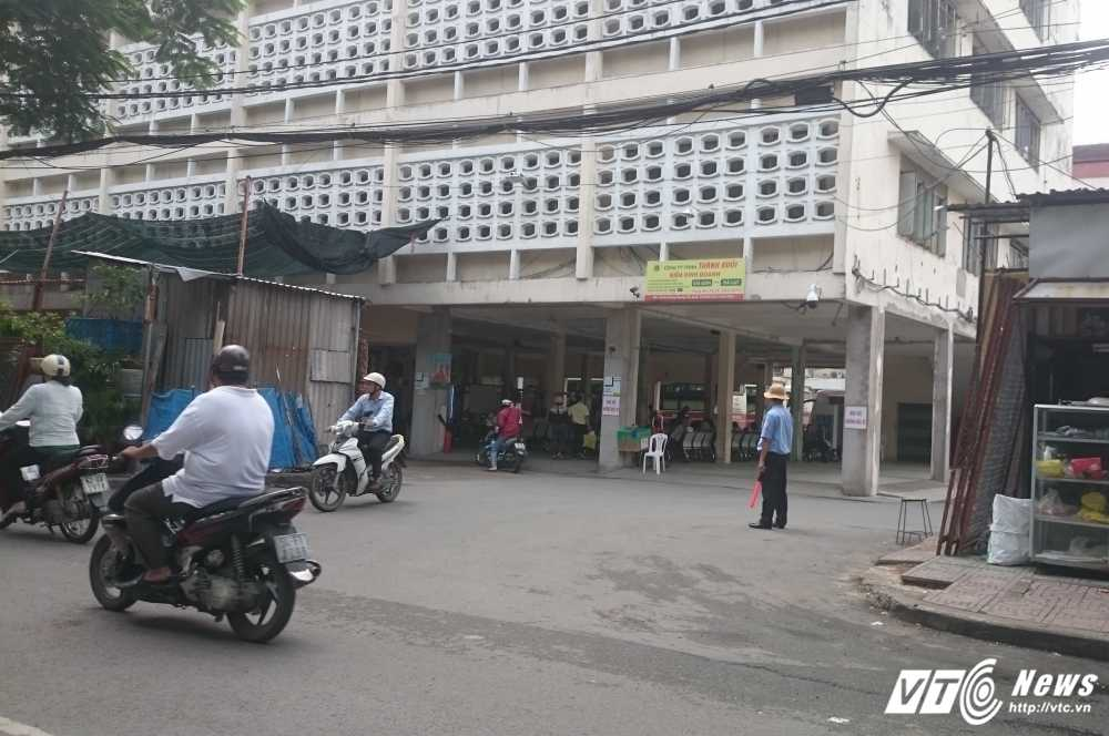 Kien nghi thu hoi bai xe 'lau' Thanh Buoi de xay truong hoc hinh anh 1