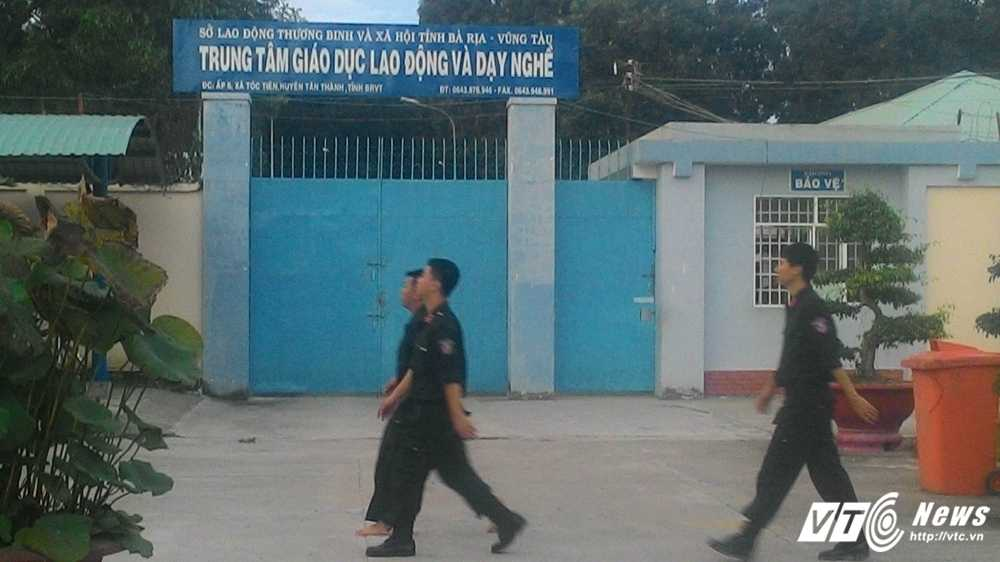 Hang tram hoc vien cai nghien tron trai tai Ba Ria – Vung Tau: Cong an tim kiem trong dem hinh anh 1