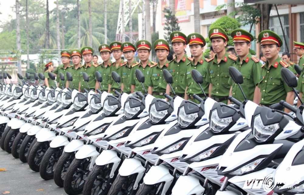 Binh Duong: Trang bi 100 mo to cho canh sat phong chong toi pham hinh anh 3
