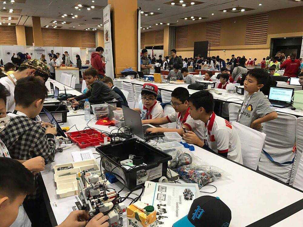 Phat dong cuoc thi 'Tai nang Robot Robotacon WRO 2017' hinh anh 3