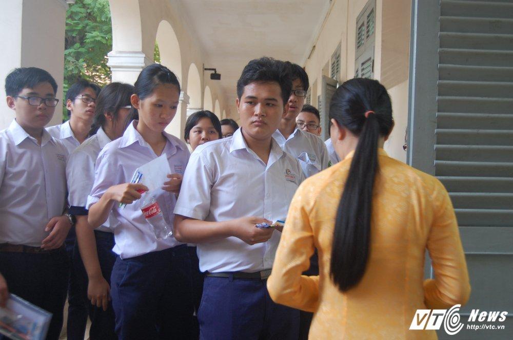 Hon 72.000 thi sinh chinh thuc bat dau ky thi tuyen sinh lop 10 o TP.HCM hinh anh 8