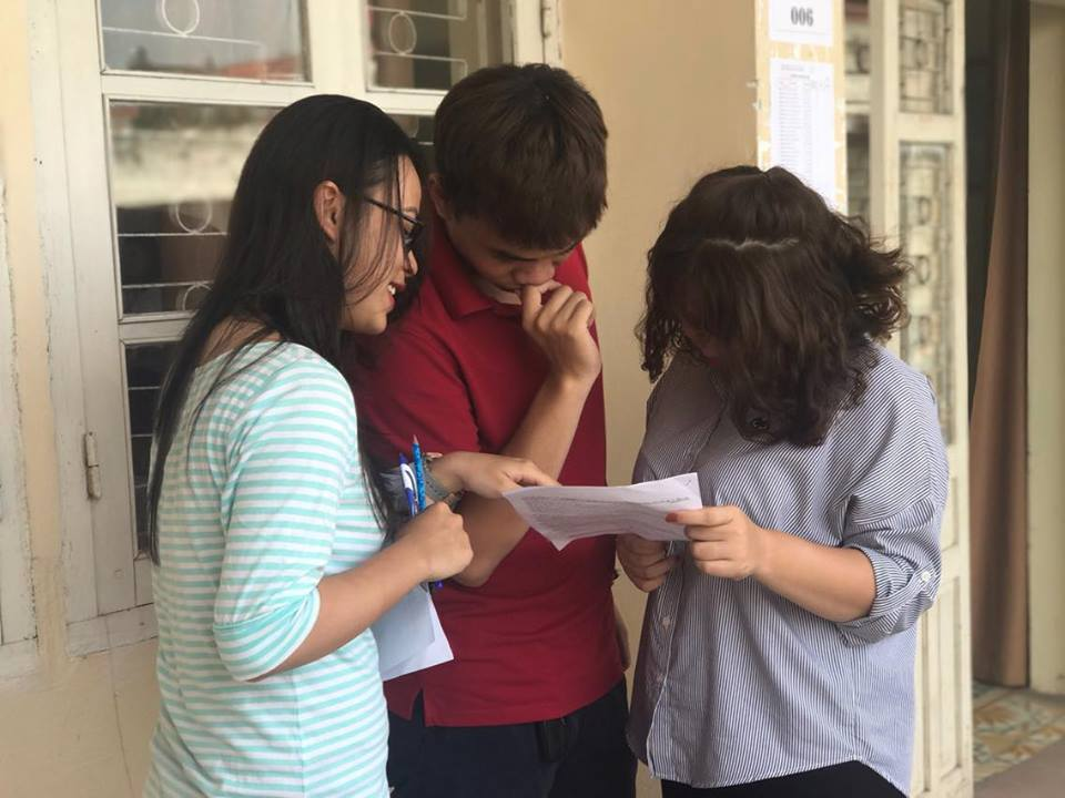 Thi sinh noi gi ve de thi nang khieu vao Hoc vien Bao chi Tuyen truyen nam 2017 hinh anh 2