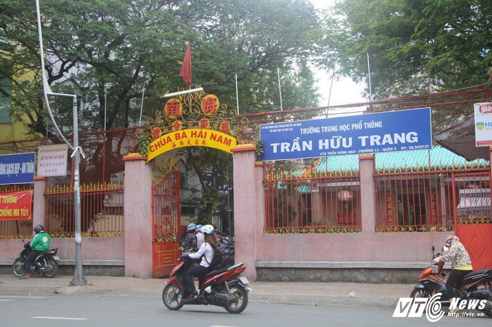 Nguyen nhan thay giao o TPHCM bi hoc sinh danh nhap vien hinh anh 1