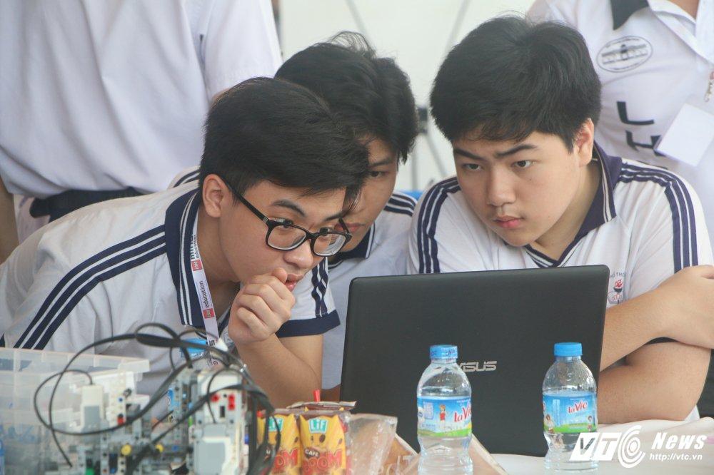 Nhung khoanh khac an tuong tai chung ket Robotacon Viet Nam 2017 hinh anh 3