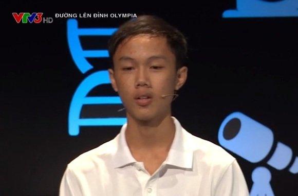 Tiep buoc 'cau be Google', nam sinh truong THPT Thi xa Quang Tri vao chung ket Duong len dinh Olympia 2018 hinh anh 1