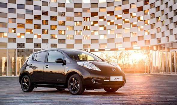 Ngam Nissan Leaf sieu xe dam 'khi chat' lan banh tai Anh hinh anh 2