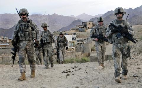 Linh Afghanistan no sung ban bi thuong 3 quan nhan My hinh anh 1