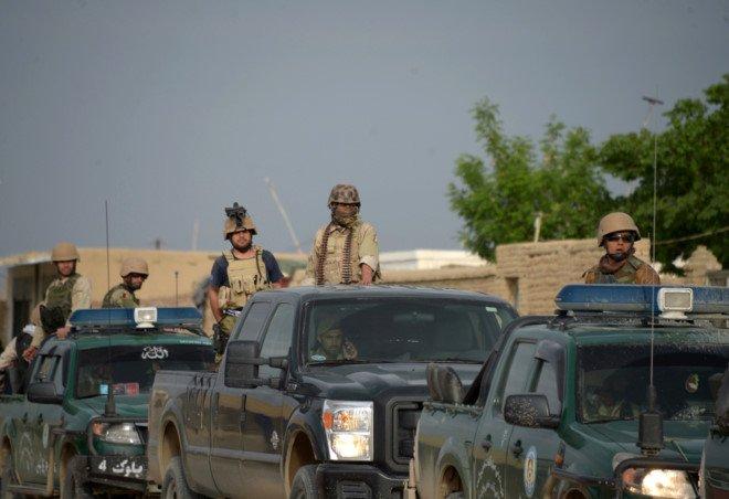 'Thieu quan tai' sau vu Taliban ban ha hon 140 linh Afghanistan hinh anh 1