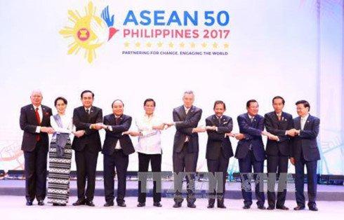 Thu tuong Nguyen Xuan Phuc du khai mac Hoi nghi Cap cao ASEAN 30 hinh anh 1