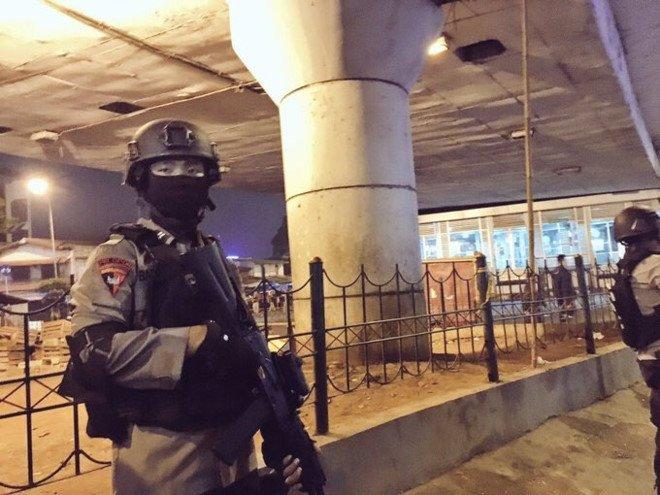 No bom lien tiep o Jakarta, 5 nguoi thiet mang hinh anh 1