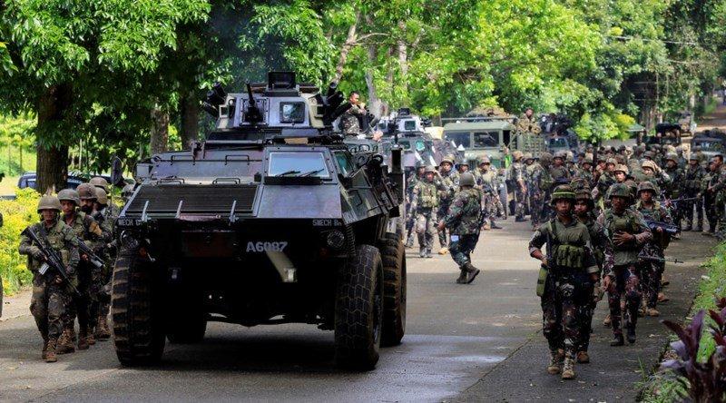 Quan chinh phu Philippines dung vu khi hang nang tieu tru phien quan Maute hinh anh 1