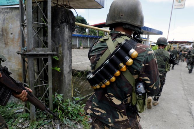 Quan doi Philippines tuyen bo kiem soat hoan toan Marawi hinh anh 1