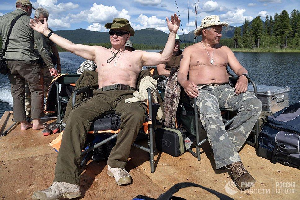Anh: Tong thong Putin minh tran san ca o Siberia hinh anh 12