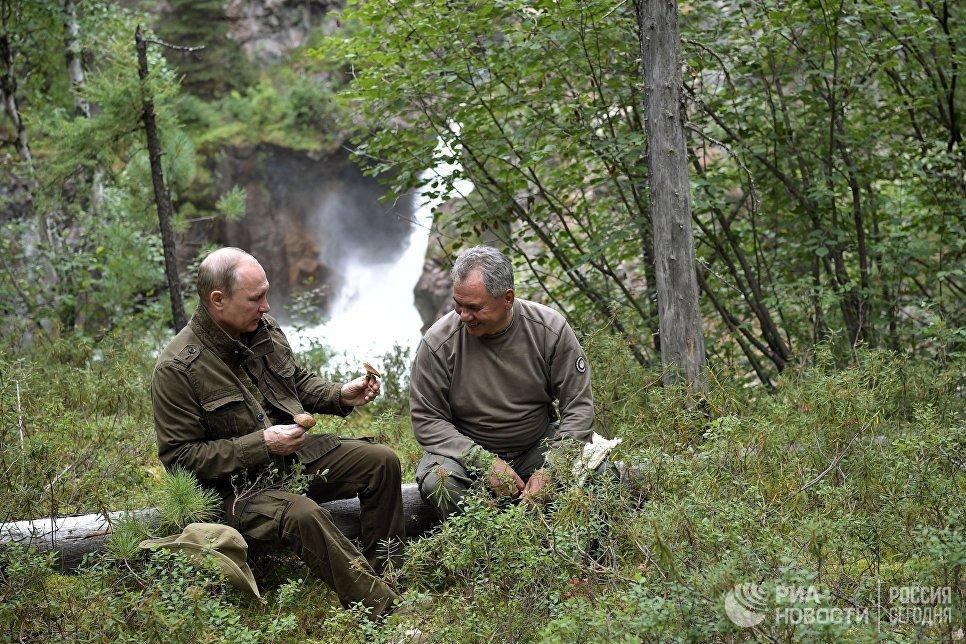 Anh: Tong thong Putin minh tran san ca o Siberia hinh anh 11