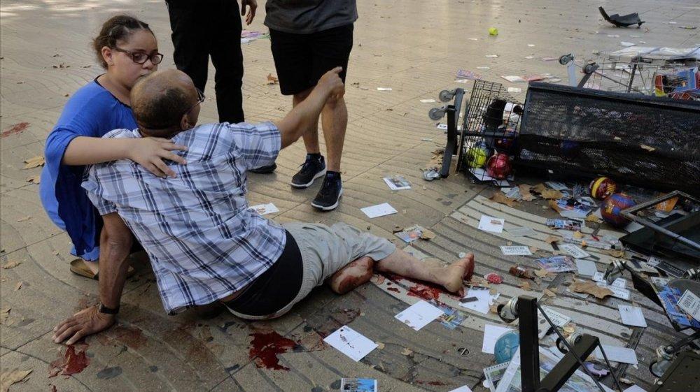 Anh: Hien truong vu dam xe khung khiep tai Barcelona hinh anh 1