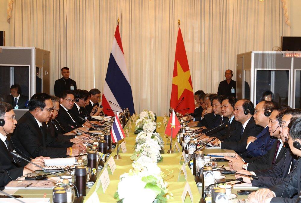 Thu tuong Nguyen Xuan Phuc hoi dam voi Thu tuong Thai Lan hinh anh 1