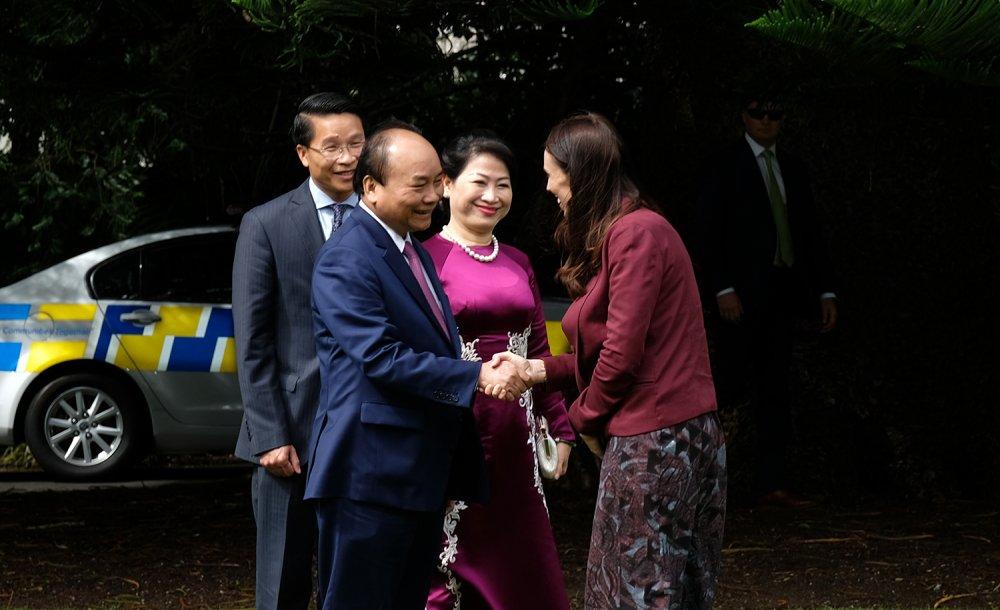 Le don chinh thuc Thu tuong Nguyen Xuan Phuc tai New Zealand hinh anh 1