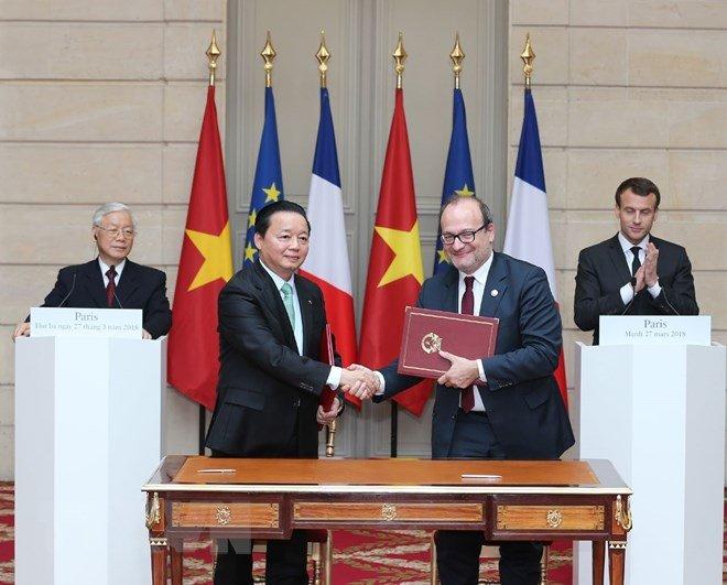 Tong Bi thu Nguyen Phu Trong hoi dam voi Tong thong Emmanuel Macron hinh anh 3