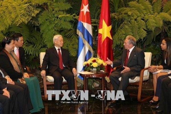 Tong Bi thu Nguyen Phu Trong hoi dam voi Chu tich Cuba Raul Castro hinh anh 2