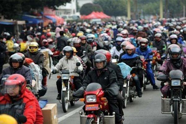Sau cam xe may, Quang Chau da phat trien than ky ra sao? hinh anh 1