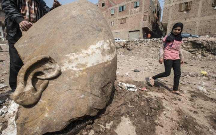 Can canh buc tuong pharaoh cao 8m duoi khu o chuot Cairo hinh anh 3