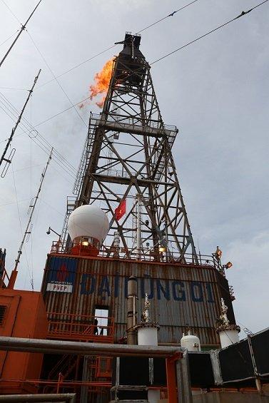 Bi an mo dau tri gia... 1 USD duoc Petro Vietnam mua lai ban quyen khai thac hinh anh 2