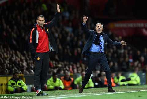 'Chi co 4 cau thu Man United an toan duoi thoi Mourinho' hinh anh 1