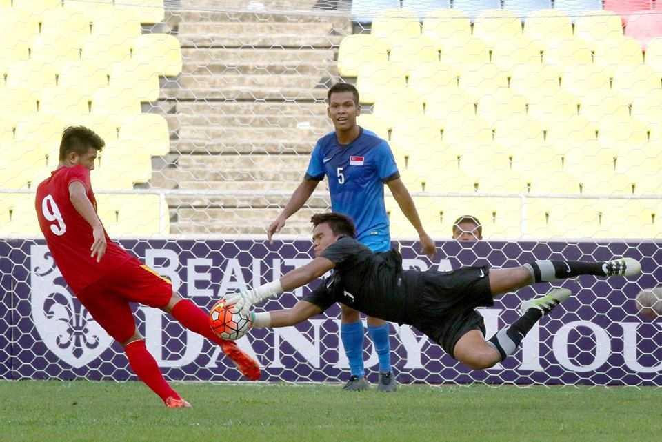Chum anh: U21 Viet Nam thang kich tinh U21 Singpore hinh anh 14