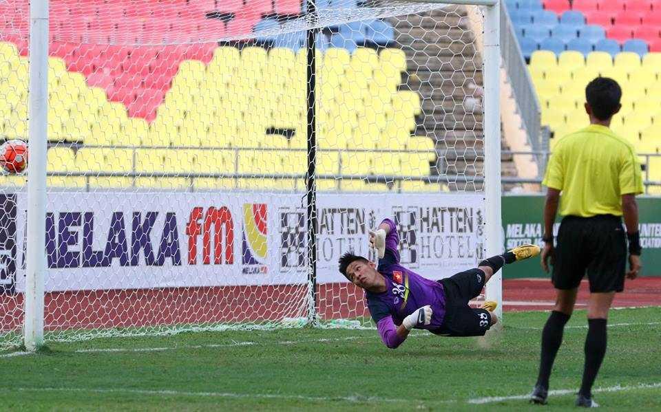 Chum anh: U21 Viet Nam thang kich tinh U21 Singpore hinh anh 16