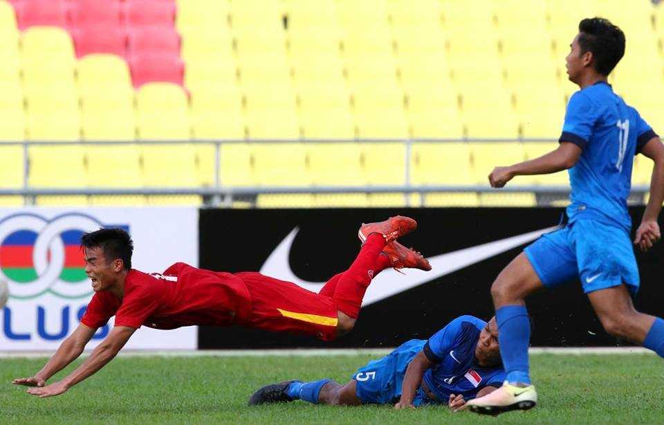 Chum anh: U21 Viet Nam thang kich tinh U21 Singpore hinh anh 8