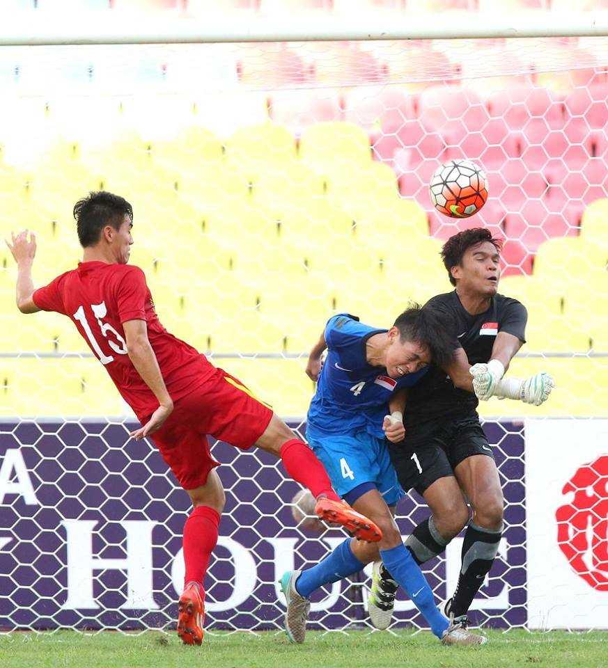 Chum anh: U21 Viet Nam thang kich tinh U21 Singpore hinh anh 12