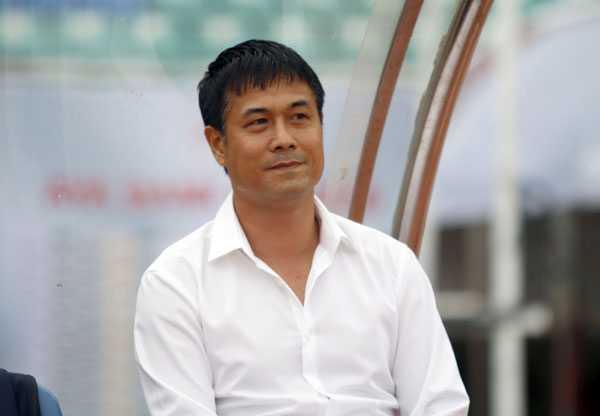 HLV Huu Thang: Tuyen Viet Nam hanh phuc voi chuc vo dich nay hinh anh 1