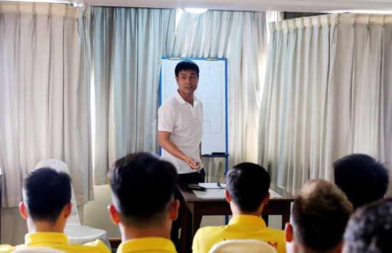 Cong Phuong khong da chung ket Viet Nam vs Singapore hinh anh 2