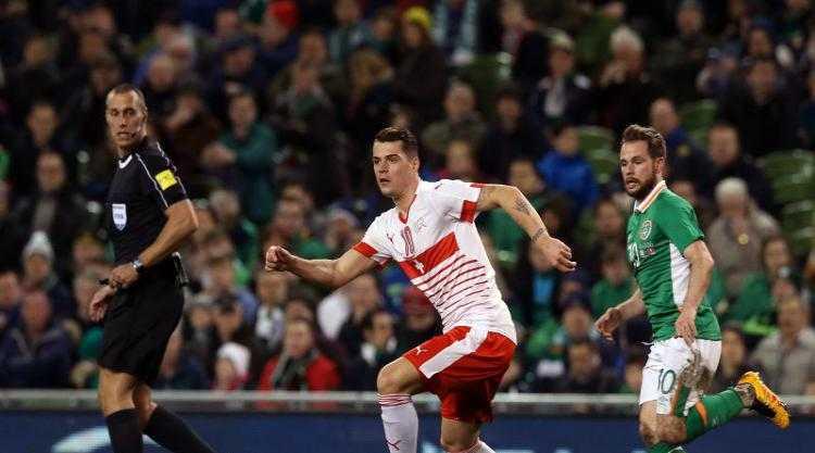 20h 11/6 truc tiep Albania vs Thuy Sy: Chop lay co hoi hinh anh 1