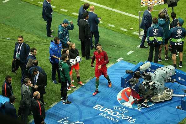 Nani hay nhat tran, Ronaldo mia mai Iceland chet nhat hinh anh 8