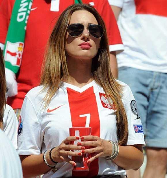 Bong mat ngam nguoi dep boc lua tren khan dai Euro 2016 hinh anh 8